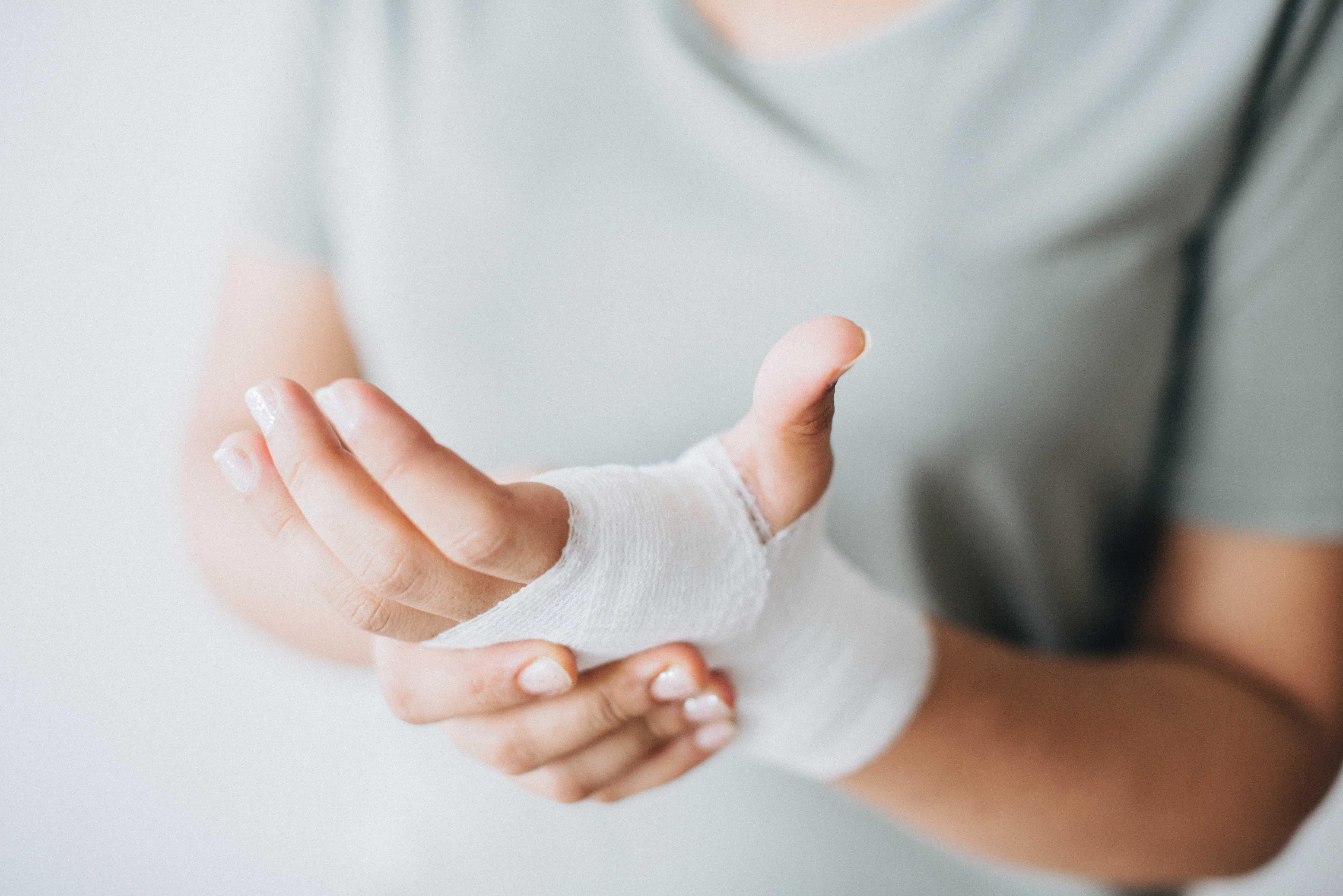 Trattamento delle dita artritiche, introduzione