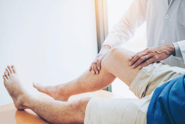dolore dietro al ginocchio